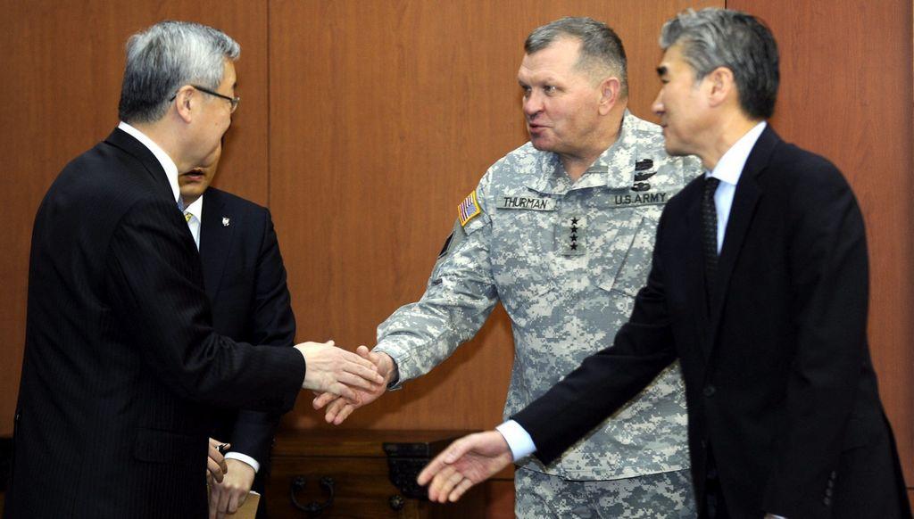 """La ONU califica de """"acto provocador"""" lanzamiento de cohete norcoreano. Autoridades se reúnen de emergencia en Seoul."""