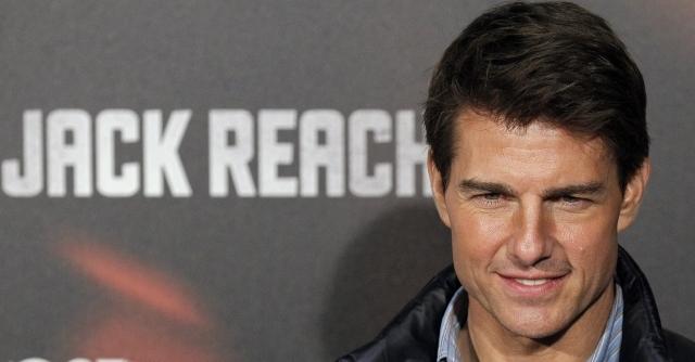 Tom Cruise continúa siendo un hombre de acción (Video)