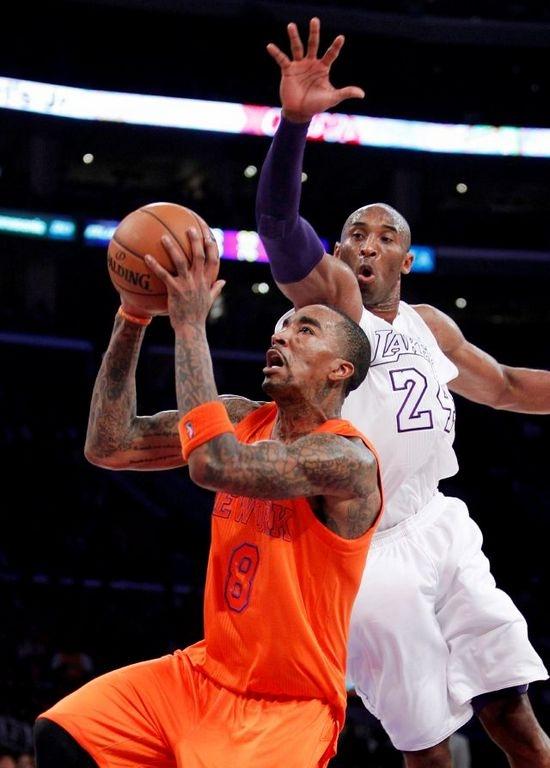 Kobe le da el triunfo a Lakers ante Knicks (fotos)