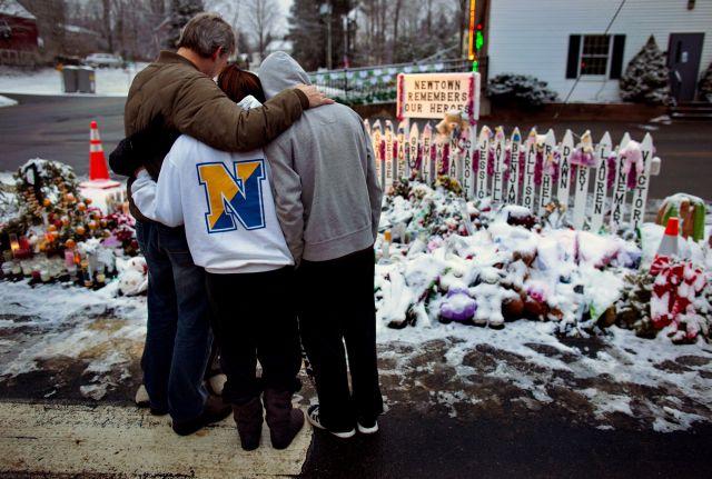 Newtown pasa la Navidad en duelo (Fotos y Video)