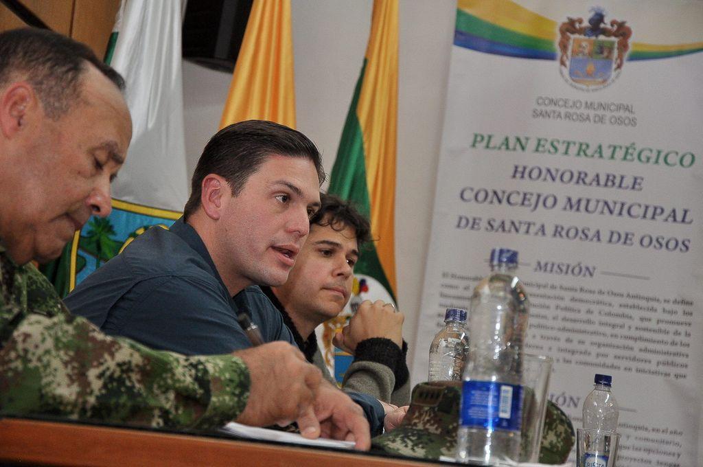 Colombia: 423 militares y policías asesinados 2012