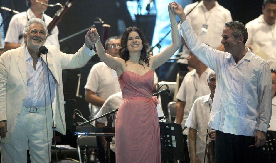 Inunda Plácido Domingo a Acapulco con su canto