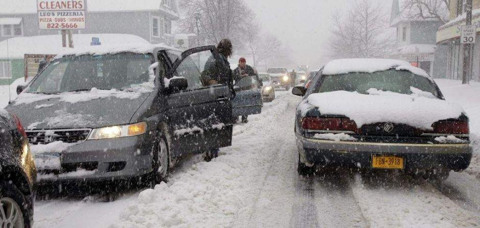 Siga estas medidas para protegerse hoy de la nieve en NY…