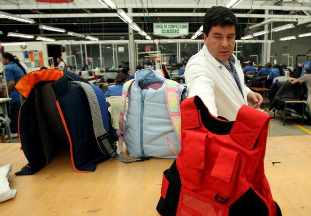 Diseñan en Colombia ropa con blindaje para niños
