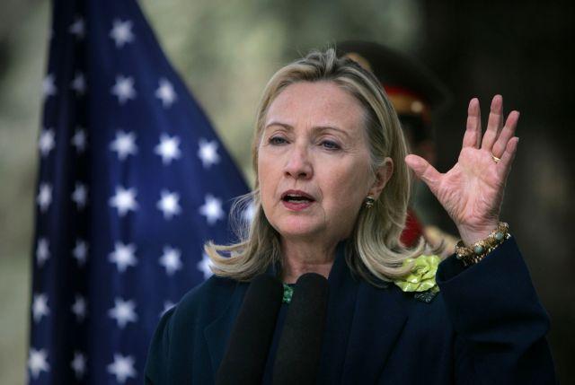 Hillary Clinton vuelve al trabajo tras un mes de ausencia