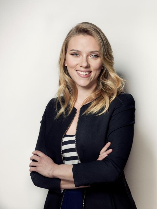 Scarlett Johansson pisa los escenarios con 'Cat on a Hot Tin Roof'