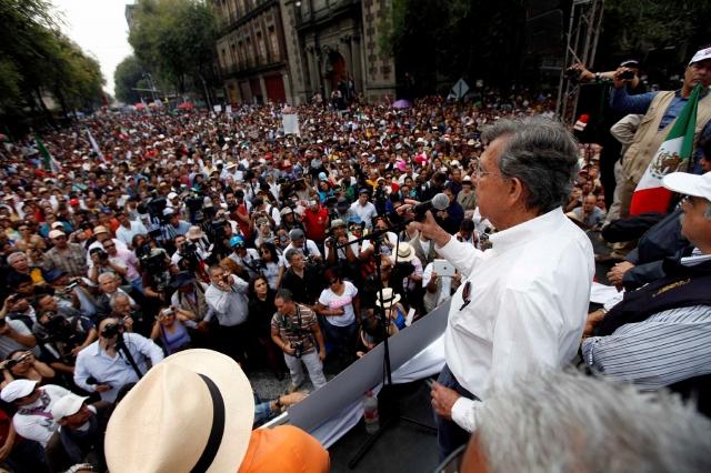 Cárdenas pide que se evalúe a Peña Nieto