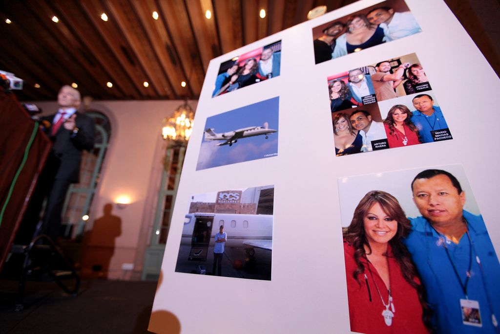 Demandan a Jenni Rivera los familiares de su equipo de trabajo (Fotos y video)