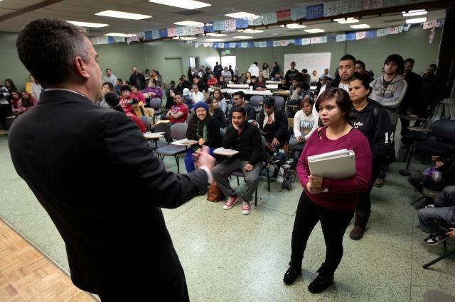 Jóvenes aún sienten miedo  del   DACA