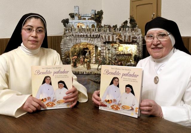 Monja colombiana publica libro de recetas