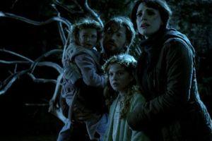 'Mama' va más allá del terror (Fotos y video)