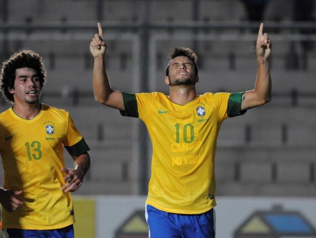 Brasil gana con lo mínimo