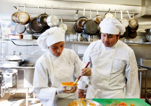 Competirán jóvenes chefs