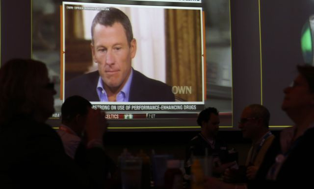 Este viernes, en el restaurante de un hotel en Texas vieron en pantalla gigante la segunda parte de la entrevista donde se confiesa Lance Armstrong.