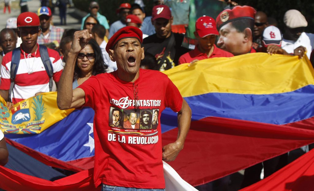 Aliados de Chávez: Gobierno sigue en marcha