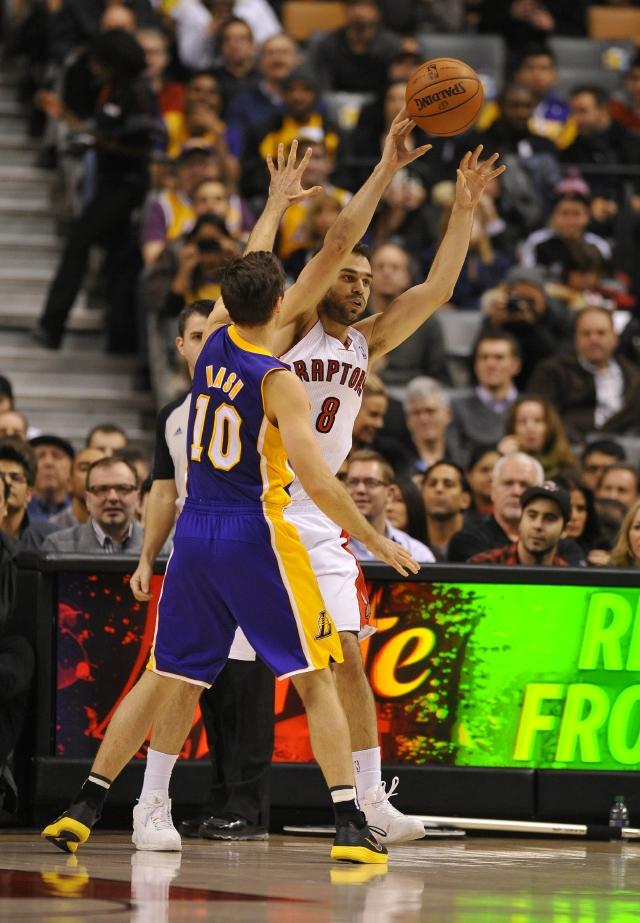 Lakers siguen de capa caída