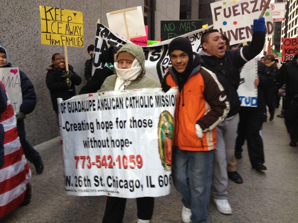 Familias separadas por inmigración marchan en Chicago (Fotos)
