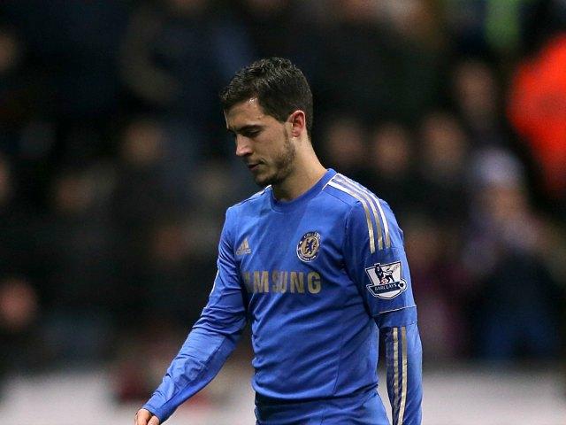 Eden Hazard, del Chelsea, fue expulsado tras patear a un recoge-balones