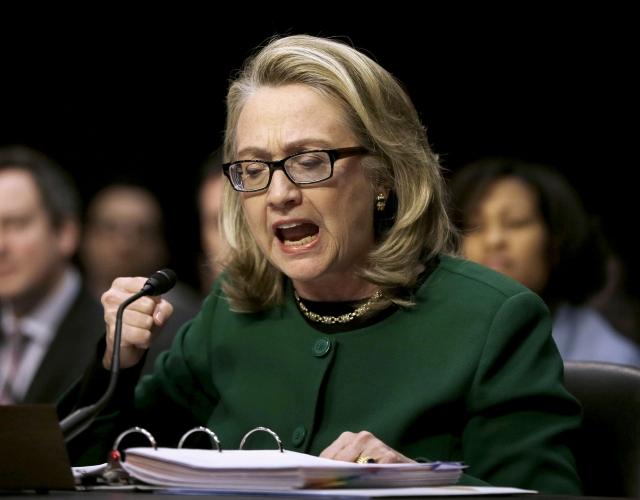 Hillary: acepto  responsabilidad