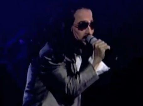 Imitador Gilberto Gless llega a LA (Video)