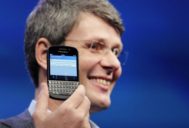 RIM cambia su nombre a BlackBerry y presenta dos móviles