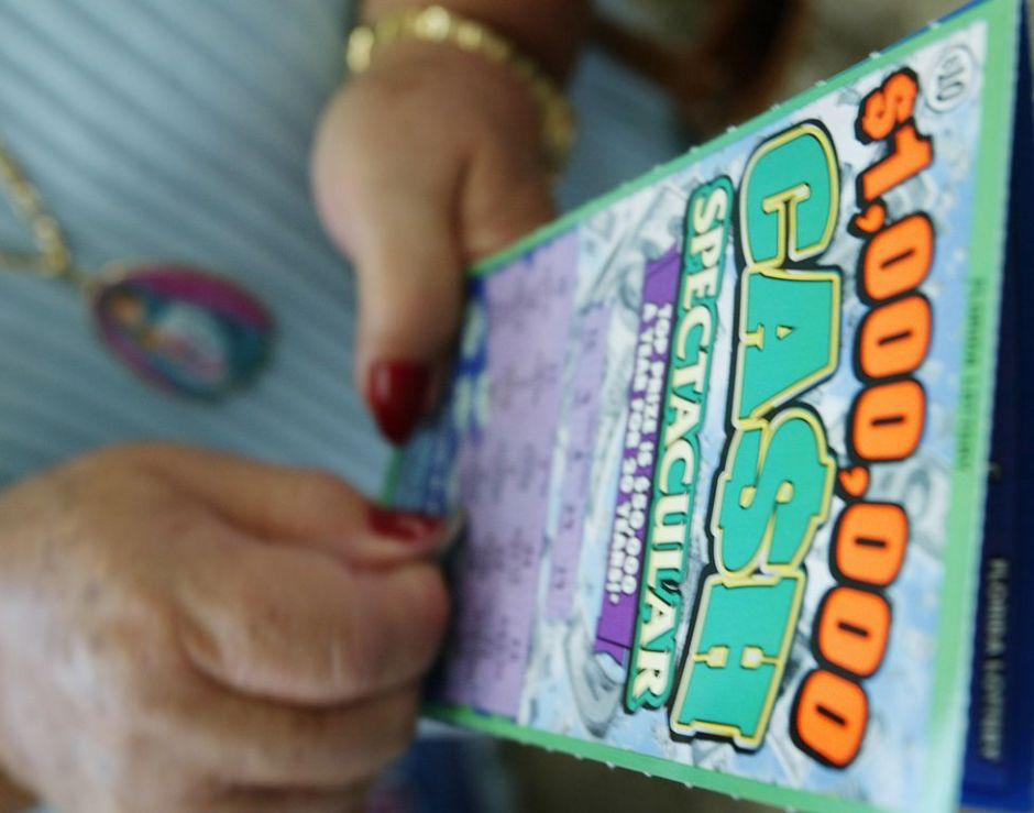 Un hombre gana a la lotería tres veces en un día
