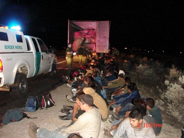 Bajan arrestos en las fronteras