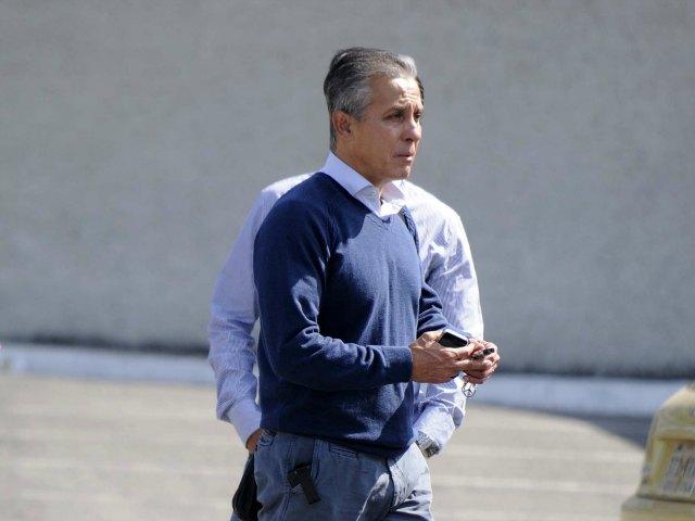 Sergio Bueno, fuera de Gallos; llega Ambriz