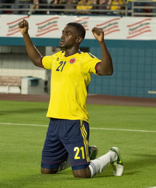 Colombia golea 4-1 a Guatemala