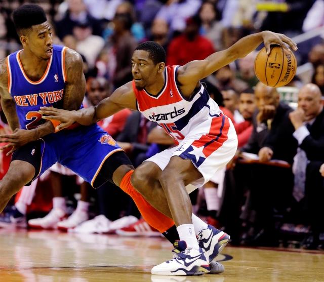 Wizards frenan a Knicks de NY