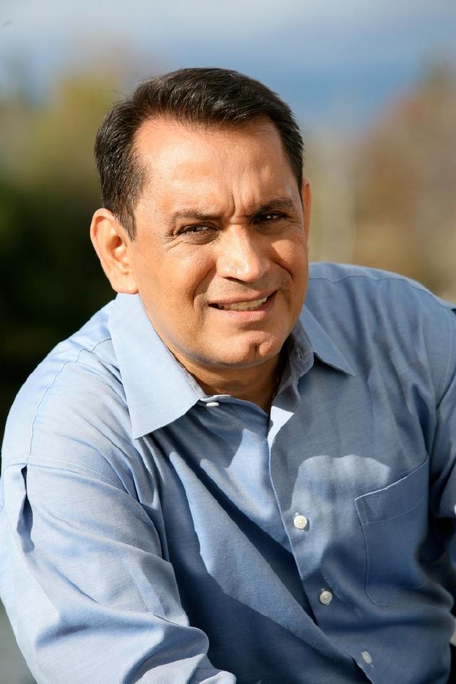 Candidato para el distrito 1: Gil Cedillo