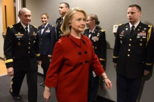Hillary Clinton recibió el máximo honor civil del Pentágono