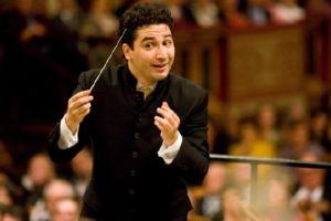 Colombiano es el nuevo director musical de la Sinfónica de Houston