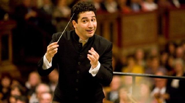 El colombiano Andrés Orozco es la nueva batuta de la Sinfónica de Houston, Texas.
