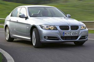 BMW llama a revisión a 750 mil automóviles
