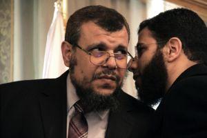 Mursi despide a uno de sus asesores