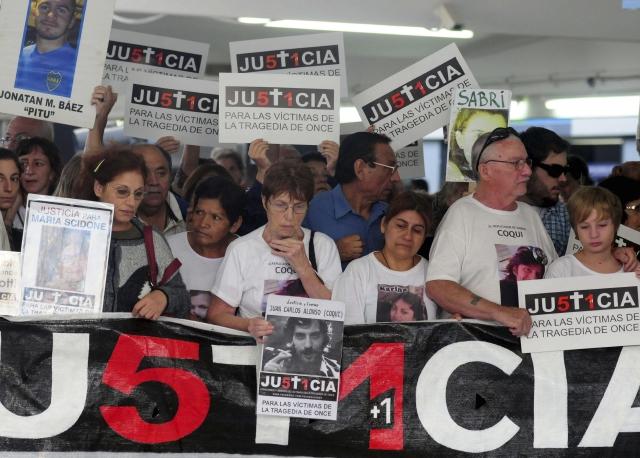 Recuerdan a 51 víctimas