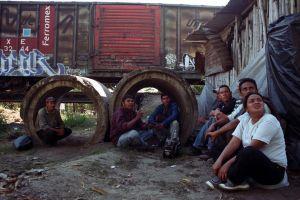 """""""La Bestia"""" documenta sufrimiento de migrantes en México (Video)"""