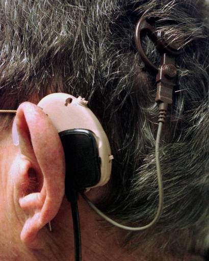Más de 360 millones de personas padecen del oído