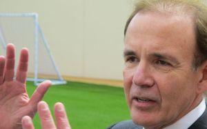 Oficial del ICE se retira tras liberar a migrantes