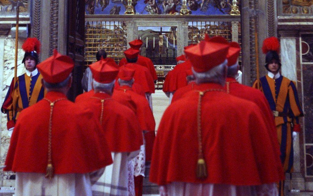 La elección de un nuevo pontífice se espera ya en El Vaticano y el mundo.