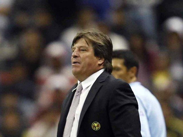 Miguel Herrera asegura que la gente es la que alienta al equipo