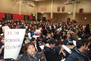 Pelean contra cierres de escuelas en Pilsen y La Villita (Fotos y Video)
