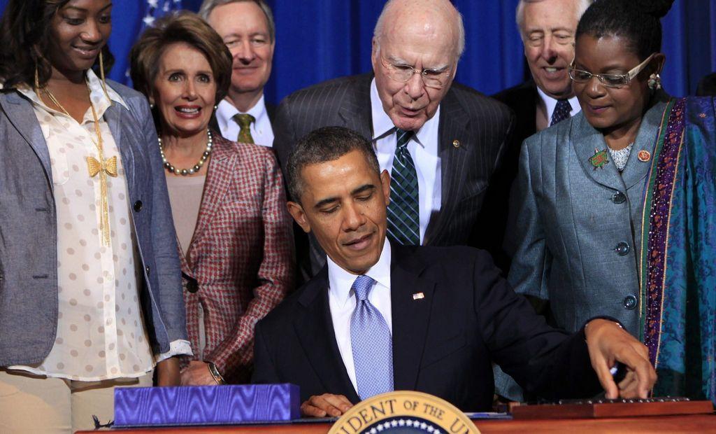 El presidente Barack Obama firmo hoy la Ley de víctimas de violencia doméstica.