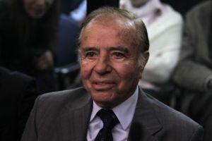 Expresidente argentino Menem condenado por tráfico de armas