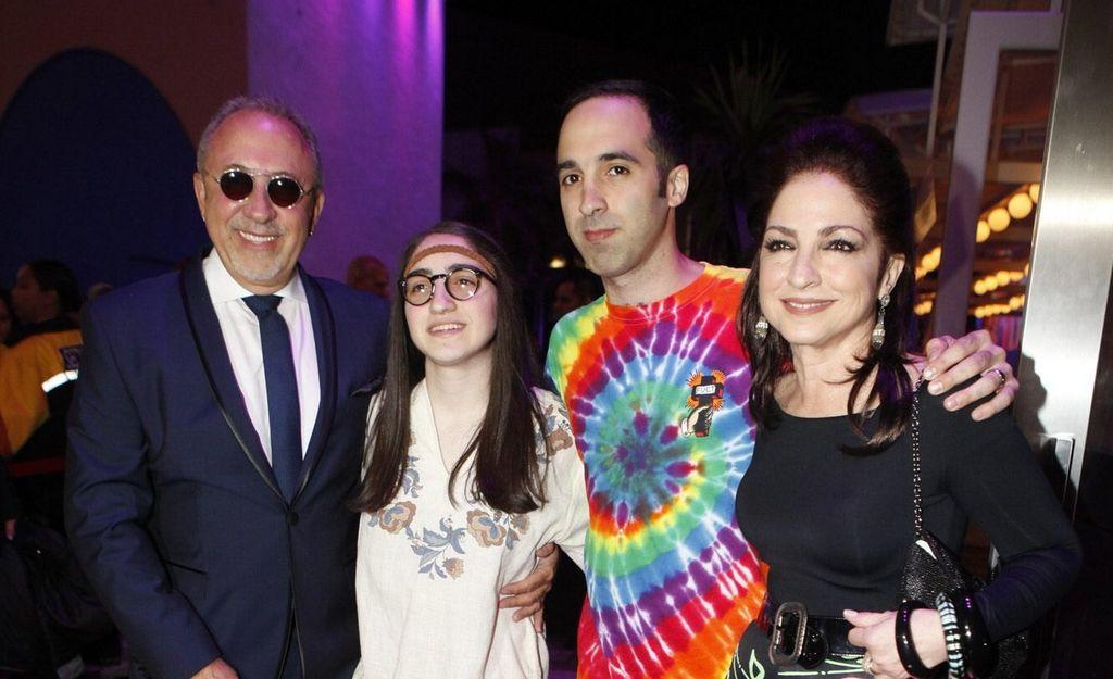 El afamado productor y empresario cubano-estadounidense Emilio Estefan, celebró sus seis décadas de vida en compañía de amigos y familia.