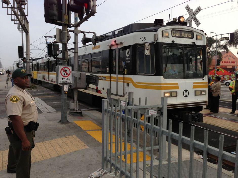 Metro de LA quiere reducir suicidios en las vías del tren