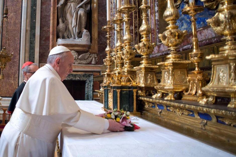 El Papa ignora a cardenal encubridor