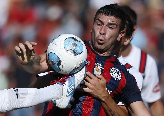 El San Lorenzo, uno de los coleros del futbol argentino, obtuvo un valioso triunfo sobre el Santa Fe.