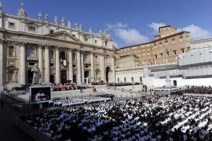 Asisten unas 200 mil personas a misa del Papa
